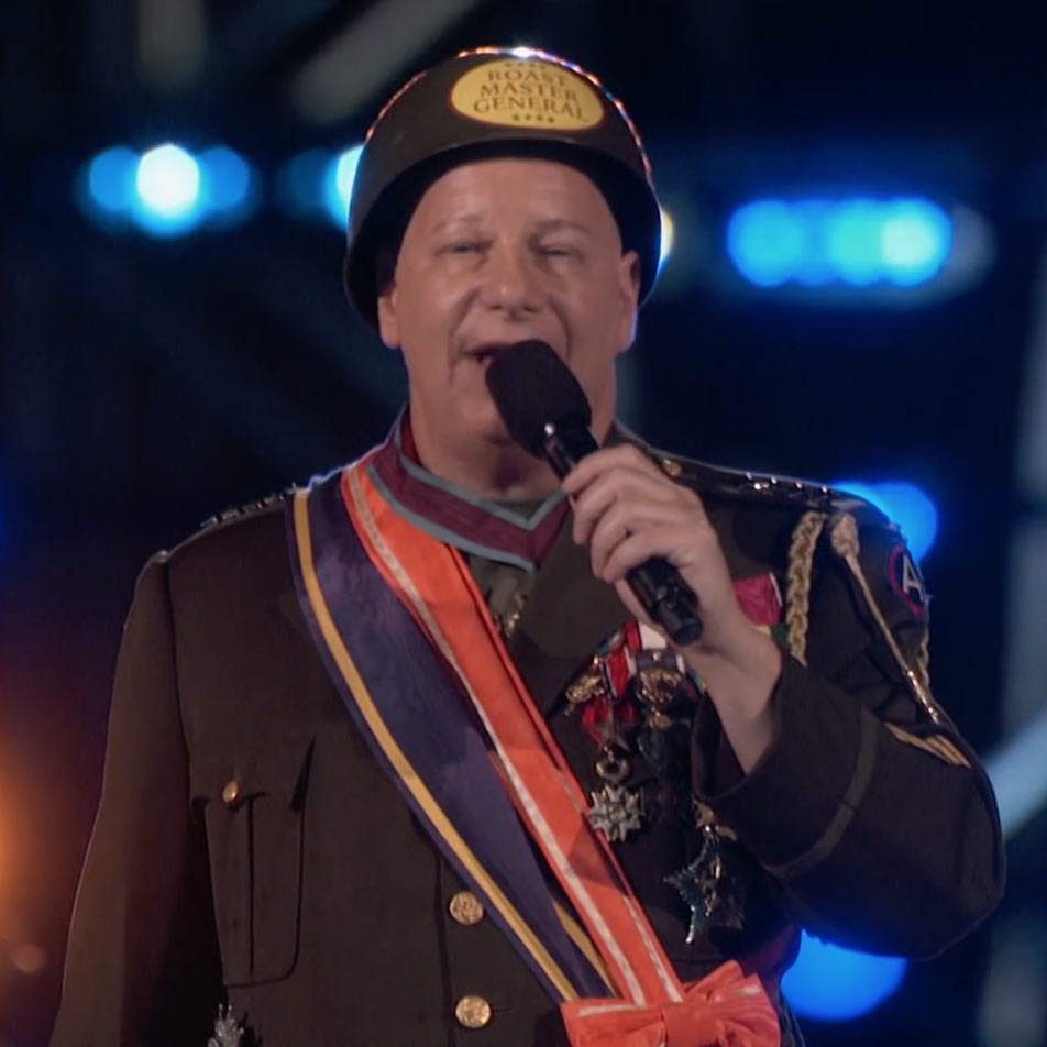 A Holiday Roast with Jeff Ross – Rock The Troops